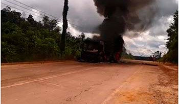 Ônibus-incendiado-em-Belo-Monte