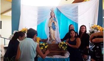 Uma-celebração-especial-marcou-a-visita-da-imagem-peregrina