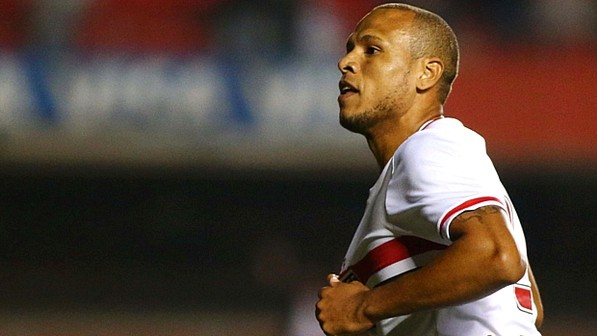 Luis Fabiano comemora gol do São Paulo no Morumbi  (Marcos Bezerra/Futura Press)