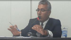 Prefeito Osvaldo Romonholi (PR) -Vai continuar atrasando salários- (foto Reprodução Juliano Simionato)