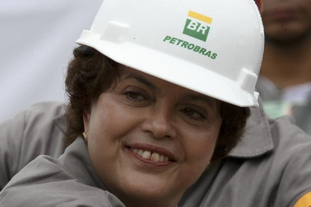 522656293-dilma-rousseff-era-presidente-do-conselho-administrativo-da-petrobras-na-epoca-da-compra-da-refinari