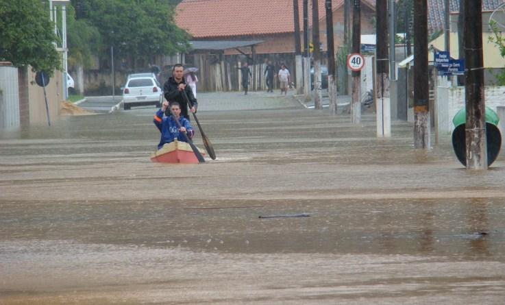 Enchente em Santa Catarina. Alterações nos padrões de precipitação vão afetar produtividade agrícola, regimes hidrológicos e biodiversidade da América Latina e do Caribe. Foto: Wikimmedia Commons/CC.