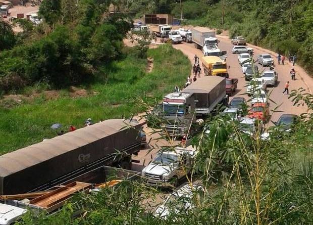 Interdição Transamazônica Miritituba Itaituba Falta Água (Foto: Reprodução/TV Liberal)