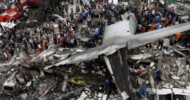indonesia-military-crash_roni_bintang_reuters_2015-06-30t104059z_623477612_gf10000144508_rtrmadp_3_indonesia-military-crash