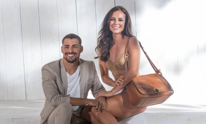Paolla Oliveira posou ao lado de Cauã Reymod na campanha da Mr. Cat - BRUNO RYFER/ Divulgação