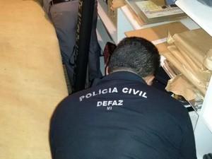 Polícia faz busca e apreensão no apartamento de Silval Barbosa. (Foto: Divulgação/Polícia Civil-MT)
