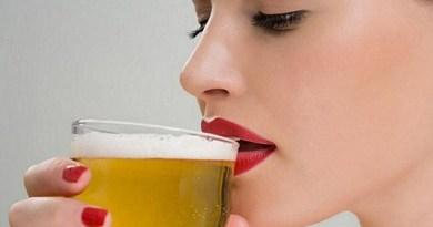 destaque-345556-mulher-bebendo-cerveja