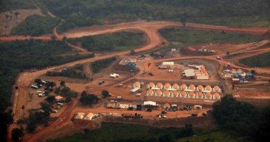 Vista aérea do canteiro de obras da usina hidrelétrica de Belo Monte em Altamira, Pará(Rodrigo Baleia/Folhapress/VEJA)