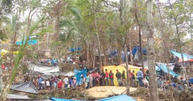 """""""Vários barracas foram armadas em garimpo (Foto: Júlio Cesar Ferreira de Souza/ Arquivo pessoal)"""""""