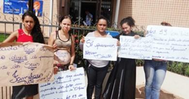 Mulheres-de-presos-protestam-em-frente-ao-Fórum