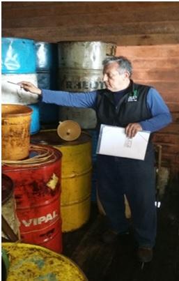 Armazenamento e comercialização clandestina de combustível em residência