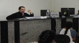 Promotor Publico Gustavo de Queiroz Zenaide (acusação)