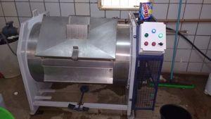 Máquina de Lavar Industrial 40 quilos em água quente em pleno funcionamento no Hospital Municipal de Novo Progresso.