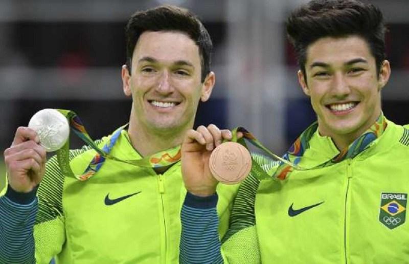 Diego Hypolito (prata) e Arthur Nory (bronze) - ginástica artística