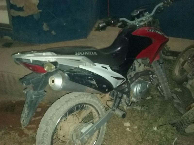 Motocicleta apreendida com os assaltantes