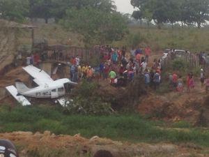 Aeronave caiu próximo a uma residência. (Foto Jornal Folha do Progresso)