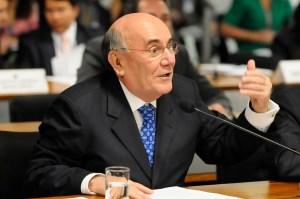Presidente da comissão, senador Flexa Ribeiro (PSDB-PA)(Foto Divulgação)