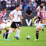 Corinthians empata com o São Paulo e vai reeditar a final de 1977