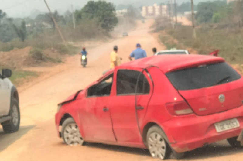 Acidente na  estrada da prainha deixa motorista e criança feridos;vídeo