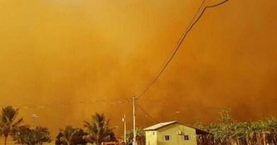 """Redemoinho de areia cobre fazenda em Campo Verde e assusta moradores: """"Tampou tudo"""", diz agricultor"""