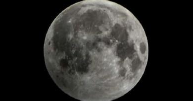 Japão descobre caverna na Lua