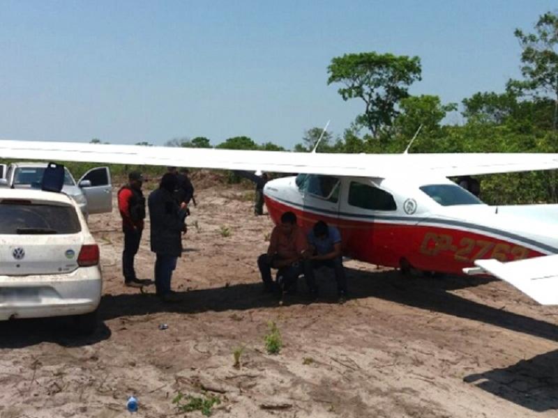 Dois são presos transportando mais de 420 kg de cocaína em avião no Mato Grosso