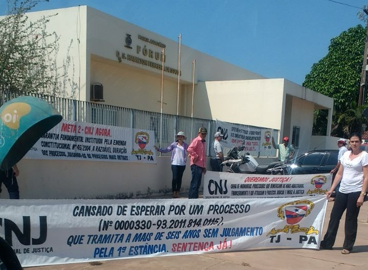 Protesto frente Fórum Novo Progresso
