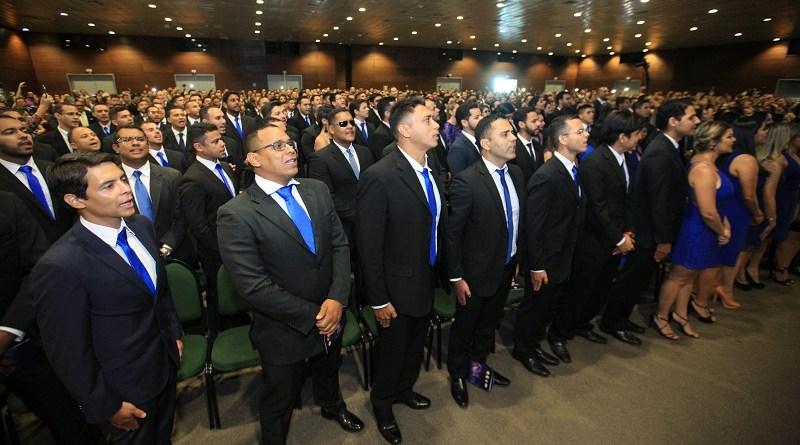 O governador Simão Jatene participou, no Hangar, da formatura de 474 policiais civis. São investigadores, escrivães e papiloscopistas aprovados no concurso da Polícia Civil, realizado no ano passado, e que concluiram os quatro meses do curso de formação.  FOTO: MACIO FERREIRA / AG. PARÁ DATA: 10.12.2017 BELÉM - PARÁ
