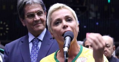 Cristiane e o Pai Roberto Jeferson (PTB)
