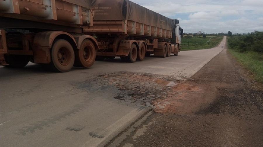 BR 163-Recuperação do DNIT com custo de R$ 21 milhões, está virando farofa na rodovia BR 163