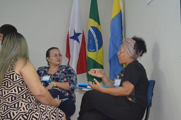Participantes da capacitação do Selo Unicef realizaram dinâmicas em grupos (Foto: Fábio Cadete/G1)