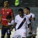 Vasco goleia o Jorge Wilstermann e fica perto da vaga na fase de grupos da Libertadores