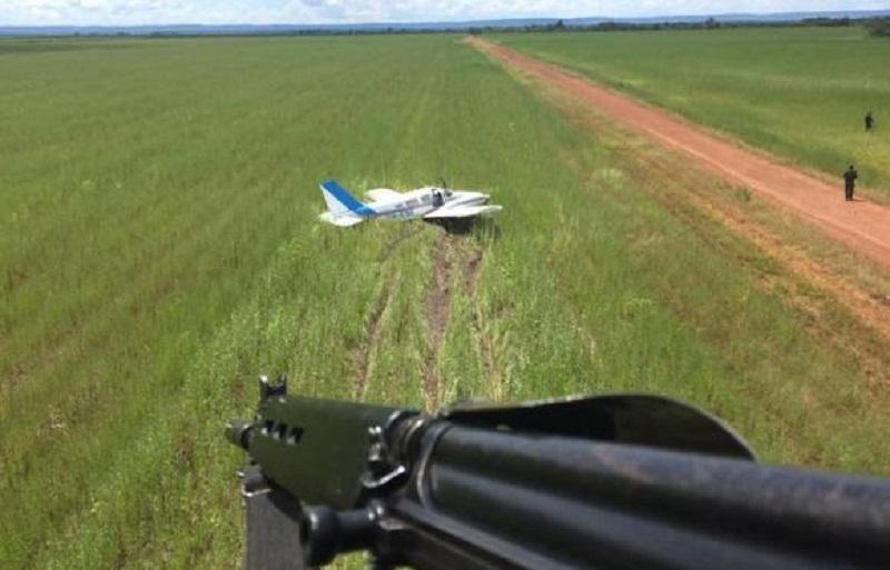Aeronave estava com carga de cocaína (Foto: FAB/ Divulgação)