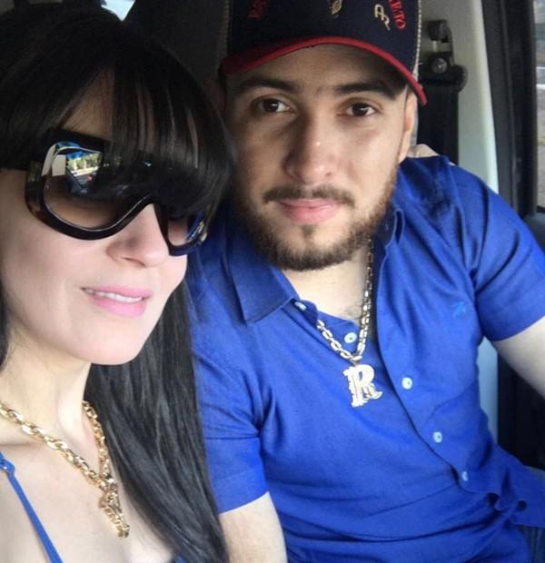 Yana Alvarenga e o marido dela, Antônio Pereira (Foto: Reprodução)
