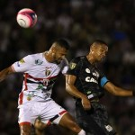 Santos e Botafogo-SP iniciam briga por vaga na semi com empate