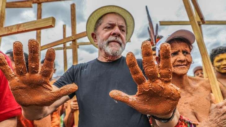 """O ex-presidente Lula durante um ato em Mariana-MG: Derrotado no STF, Lula poderá apresentar ainda """"embargos dos embargos"""" no TRF-4(foto Ricardo Stuckert / Instituto Lula )"""