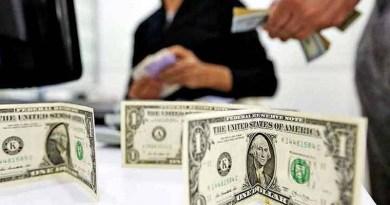 Valorização do dólar já alcança 12,8% e muda planos de turistas e afeta empresas