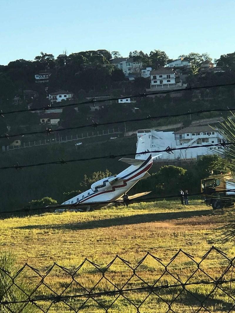 Avião do DJ Alok saiu da pista no procedimento de decolagem; fã registrou incidente (Foto: Sarah Carvalho/Arquivo Pessoal)