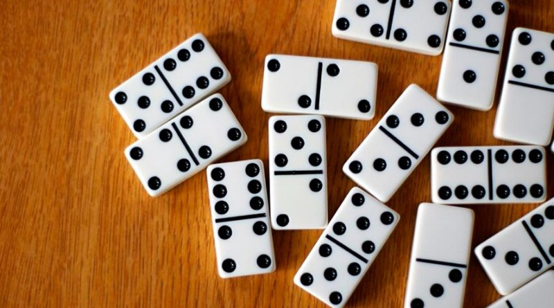 destaque-511270-img_how_to_play_dominoes_375_orig