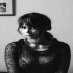 Halle Berry exibe corpo em forma aos 51 anos