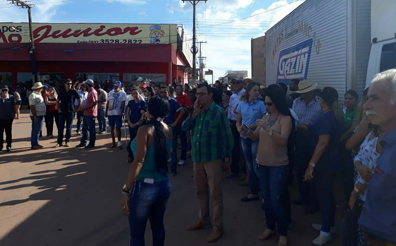 BR 163 é fechada em Vila Isol e Moradores de Novo Progresso  aderem a protesto de caminhoneiros