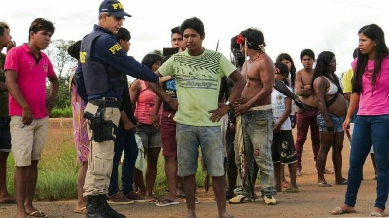 Policiais chegaram novamente à região no domingo (6) (Foto: PRF-MT/Divulgação)