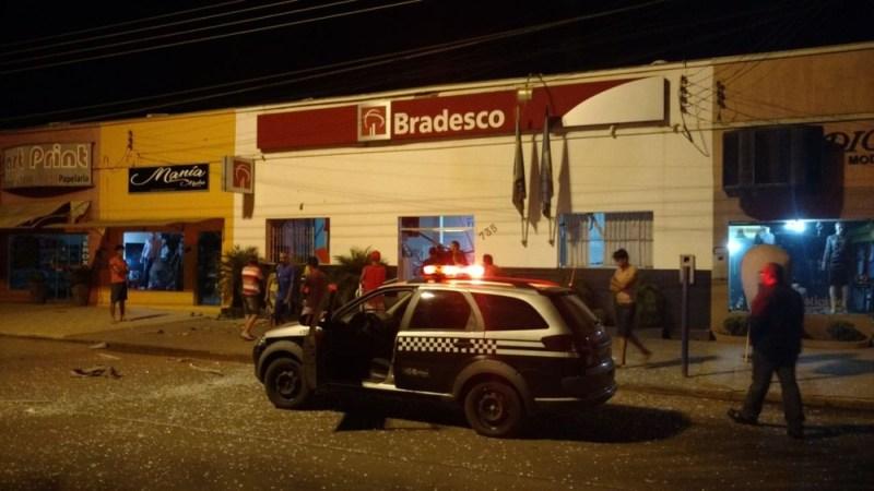 Moradores ouviram disparos após assalto a banco em Alto Taquari (Foto: Polícia Civil de MT/Divulgação)