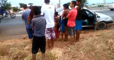 Carro é flagrado transportando 17 pessoas na BR-040, em Santa Maria (DF) — Foto: Polícia Federal Rodoviária/Divulgação