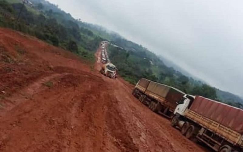 Chuva provoca fila de veículos outra vez na rodovia BR 163 em Novo Progresso