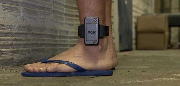 preso-tornozeleira