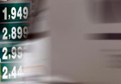 Petrobras eleva em 2,5% preço médio do diesel nas refinarias a partir de sábado