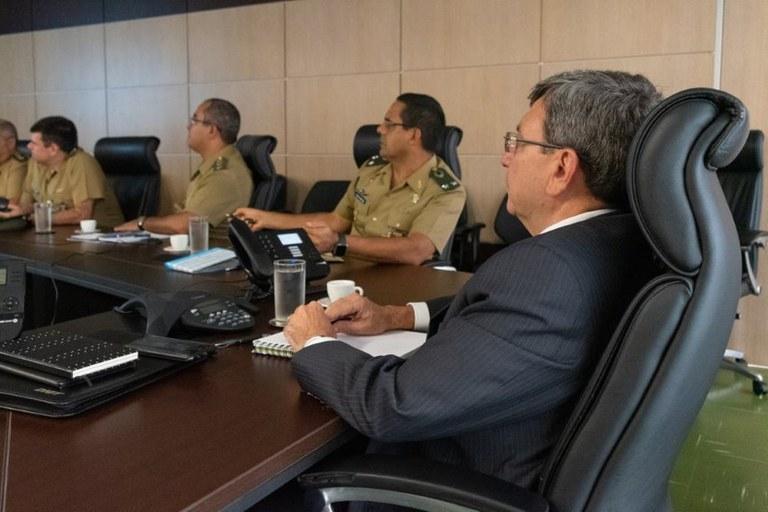 Reunião entre representantes do DNIT, Exército, PRF e ABIOVA discutiu a situação de tráfego na rodovia. Foto: Divulgação