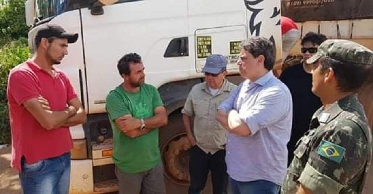 Ministro Ricardo Teixeira conversa com motorista na BR 163(oOto:WhatsApp)