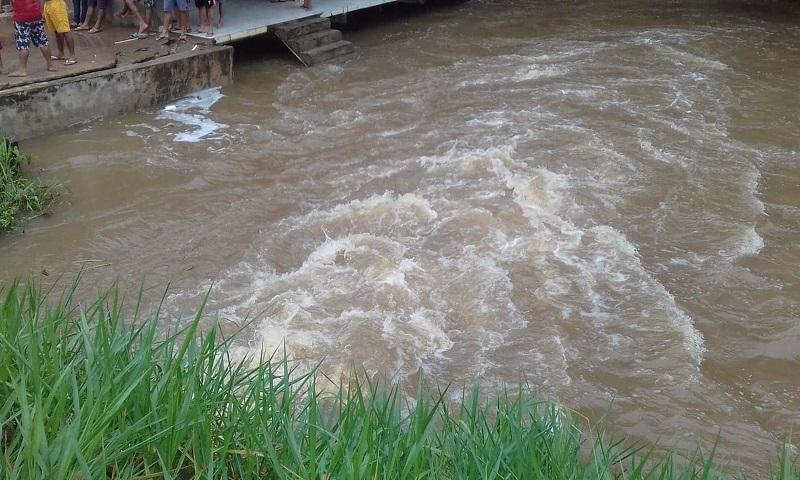 Força da água comprometeu asfalto na PA-151 — Foto: Divulgação/ Setran